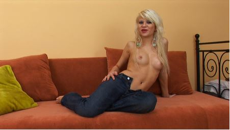 Kelly 09097400505 call me live chat 121 phone sex